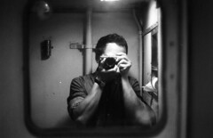 io visto da me (m.p.noise) Tags: io olympusom1 specchio selfshot fomapan