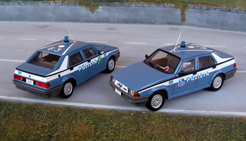 Autoparco Alfa_Romeo_Alfa_75 Polizia_auto_Stradale-02