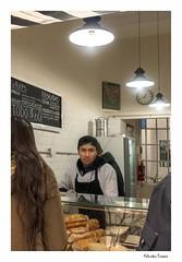 Le tomo el pedido? / May I take your order please? (feluss2016) Tags: lunch sandwich almuerzo negocio atencin comida food business people gente