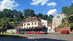 Voor de stad (Peter ( phonepics only) Eijkman) Tags: city praha praag prague tatra tram transport trams rail rails railways strassenbahn streetcars check republic forcity 15t skoda