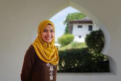 Girl in the Hari Raya Puasa Day (abtabt) Tags: malaysia sarawak kuching holiday ramadan eidalfitr astana muslim hariraya festival fast aidilfitri malay girl d7001835g