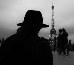 Observer (Christof Timmermann) Tags: olympusomd streetfotografie blackwhite shiloette hat shadow eiffelturm eiffel paris christof timmermann