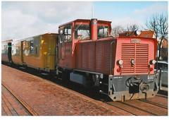 Inselbahn Borkum (gescantes bild) (thomaslion1208) Tags: borkum inselbahn lok ostfriesland zug insel