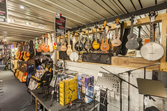 KEYMUSIC Brussel (KEYMUSIC_STORES) Tags: gitaarwinkel gitaar drums piano muziek music musical guitar belgi brussel digiphot151201 googlebusinessphotos googlemapsbusinessview keymusic wwwdigiphotnl