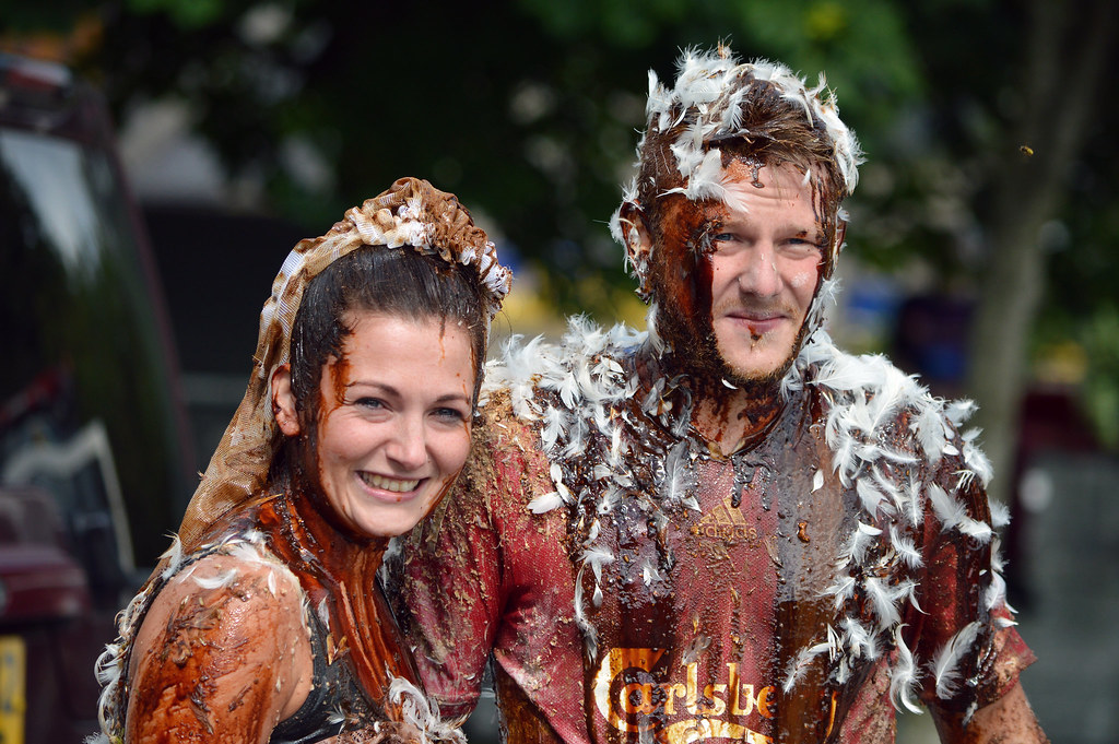 25 Amazing Wedding Traditions From Around The World: The World's Best Photos Of Blackening And Scottish