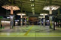 Shinagawa Station (burnt dirt) Tags: tokyo japan asian shinagawastation jrline yamanoteline train subway