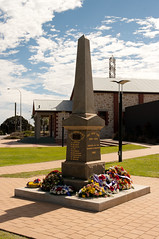 ANZAC_day_2012_gnangarra-16.jpg (Photographs by Gnangarra) Tags: memorial cockburn hamiltonhill anzacday2012 photographsbygnangarra