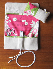 Sewing Kit Interior (elnorac) Tags: pincushion patchwork ayumi zakka japanesefabric pinkpenguin suzukokoseki rashidacolemanhale linenwithprints