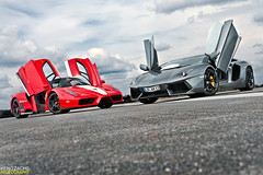 660 horses vs. 700 bulls (Keno Zache) Tags: sport canon photography eos hp italia doors open military duo automotive ferrari 400 enzo motor rims 700 lamborghini luxury rare 660 airfield sportcar f60 keno zache aventador lp700