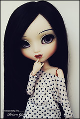 Shannon - Pullip Cinciallegra (-Poison Girl-) Tags: new blue black girl hair grey eyes doll soft long dolls top polka dot blouse shannon planning jp wig groove pullip straight poison dots pullips jun poisongirl cinci sideways polkadot eyechips junplanning cinciallegra rewigged rechipped pullipcinciallegra