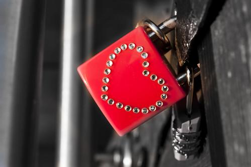 eyeRish-The Love Lock