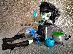 Ghouls Rule Frankie Stein (Nataloons) Tags: blue black monster electric silver high doll mask frankie frankenstein bolt lightning stein rule cauldron mattel ghouls explored frankiestein monsterhigh