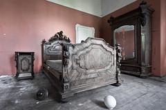 (Alex Vetri) Tags: urban abandoned bedroom villa mansion exploration letto urbex abbandonata
