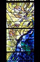 Metz - Verrire de Marc Chagall (onnola) Tags: metz lothringen frankreich moselle lorraine france alsacechampagneardennelorraine kirche kathedrale sainttienne stephansdom dom church glise cathedral bischofskirche saintstephen bishopric cathdrale gotic gothic gotique innenraum kirchenschiff interieor nave nef fenster window kirchenfenster buntglasfenster glasfenster glasmalerei vitraux stainedglass vitrage marcchagall chagall adam eva paradies eden