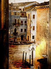 Venecia, Venice 005 (www.ignaciolinares.com) Tags: venecia venice venezia gondola canales sanmarcos feniche campanile ilduomo eldoge vaporetto veneto italia