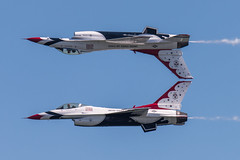 DSC_0543 (CEGPhotography) Tags: cegphotography atlanticcity newjersey nj ac atlanticcityairshow 2016 thunderovertheboardwalk aviation flight sky nikon usaf thunderbirds usafthunderbirds f16 f16fightingfalcon falcon viper jet
