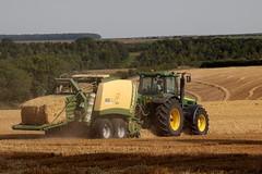John Deere 8520 (hughdiniphoto) Tags: tractor baler bigbaler johndeere 8520 krone bigpack1290 eastyorkshire harvest farming agriculture straw canon eos50d