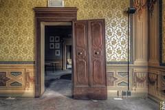 Bourgeois Abandonment #3 - Golden Room - (Stokaz) Tags: sigma 1020 ex dc hsm urbex decay urban exploration bourgeois abandonment hdr yellow sofa golden room stokaz 2016