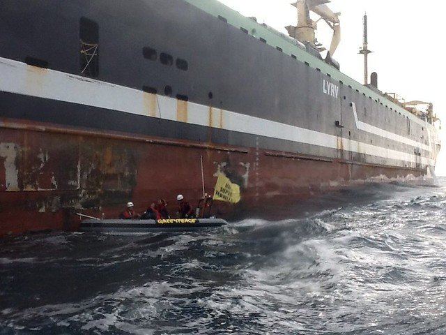 Greenpeace confronts super trawler