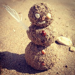Omul de... Nisip!     #sandman #snowman #beach #sea #ocean #shell #snail #ostafi (Andy Ostafi) Tags: square squareformat iphoneography instagramapp xproii uploaded:by=instagram