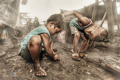 Laro sa Ulingan By: Pipoyjohn (Pipoyjohn) Tags: portrait photography artist child philippines hdr pinoy ulingan pipoyjohn