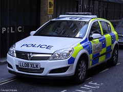 City Of London Police Vauxhall Astra Incident Response Vehicle (PFB-999) Tags: city london car station yard rear police vehicle behind irv incident astra hatchback vauxhall response unit bishopgate of colp ll08xlk