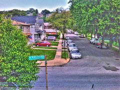 Hull Avenue - Dongan Hill, New York City, NY. (SpottingWithTom) Tags: nyc ny island hill platform railway hull avenue sir hdr staten dongan
