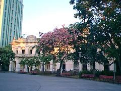 Hotel, Casa de Cultura en Parque Vidal, Santa Clara, Cuba. c1997 (lezumbalaberenjena) Tags: santa clara cuba 1997 lezumbalaberenjena