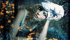 sonntagsspaziergang (pixelwelten) Tags: portrait art analog mediumformat kunst hamburg sensual nah analogue delicate intimate mittelformat nachhaltig rdigerbeckmann beyondvanity jenseitsvoneitelkeit
