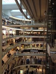 Shop till you drop (Verte Ruelle) Tags: stpetersburg shoppingmall russian stockmann rusland ctokmahh