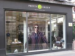 Liam at Pretty Green (mike_smith's_flickr) Tags: london oasis carnabystreet westend mrcool liamgallagher beadyeye prettygreen liamandnoel manchestercityfan