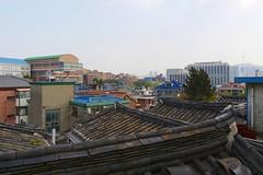 Bukchon Hanok Village (Travis Estell) Tags: bukchonhanokvillage jongno jongnogu korea republicofkorea seoul southkorea