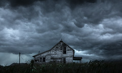 Sundial Storm (Rodney Harvey) Tags: anandoned house missouri storm clouds weather rural decay