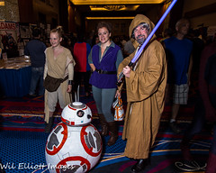 Star Wars Cosplayers at 2016 TerrifiCon, Uncasville Ct (Wil Elliott Images) Tags: mohigansun lightroom6 rey bb8 lukeskywalker wilelliottimages cosplay comiccon starwars 2015 tamron16300mmf3563 nikond7200 geekculture terrificon