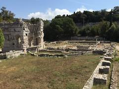 Nice: Gallo-Roman Ruins of Cimiez (Cemenelum) (escriteur) Tags: img4289 france nice cimiez cemenelum ruins excavation archaeology baths northbaths magistratesbaths frigidarium pool wall decumanus reservoir latrine