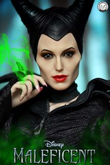 """I too shall Bestow a gift on the Child...."" (PrinceMatiyo) Tags: aurora curse bestowagift actionfigure disney onesixthscalefigure hottoys angelinajolie maleficent"