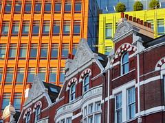 Architectural contrast (zinnia2012) Tags: london england bright traditionalbuilding modernblocks zinnia2012 londres contrast
