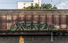 1566_2016_09_23_Köln_West_RHC_0272_024_mit_gem_Güterzug_Köln_Süd (ruhrpott.sprinter) Tags: ruhrpott sprinter deutschland germany nrw ruhrgebiet gelsenkirchen lokomotive locomotives eisenbahn railroad zug train rail reisezug passenger güter cargo freight fret diesel ellok kölnwest als db mrcedispolok nxg nationalexpress lbl locon nrail pcw rhc rpool sbbc siemens sncb xrail es64p001 es64f4 0272 127 146 155 185 186 189 260 275 285 408 482 620 1261 1275 1285 6127 6146 6189 2275 eurosprinter schienen walzzeichen outdoor logo natur graffiti