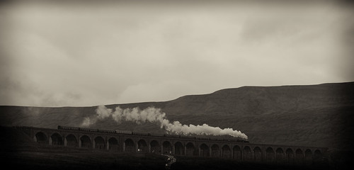 Ribblehead viaduct bw