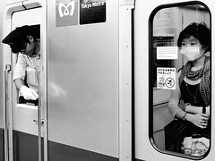 Akasaka. (Dave from Tokyo) Tags: people blackandwhite bw blancoynegro monochrome japan train underground subway tokyo blackwhite pessoas gente noiretblanc metro tube bn menschen personas persone   japo japon personnes giappone akasaka biancoenero    chiyodaline tokyometro japn  blancetnoir tokyosubway    negroyblanco  x100     tokyometrochiyodaline blackwhitephotos   akasakastation davidefilippini tranis fujifilmx100 fujifilmfinepixx100