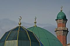 Suffa Tul Islam Central Mosque, Horton Park Avenue, Bradford (Tim Green aka atoach) Tags: bradford minaret mosque suffatulislam