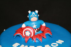 "Captain America Birthday cake • <a style=""font-size:0.8em;"" href=""http://www.flickr.com/photos/60584691@N02/7977119679/"" target=""_blank"">View on Flickr</a>"