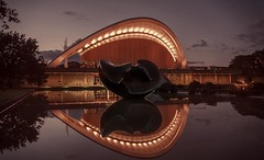 Berlin, House for the Cultures of the World (Markus Lehr) Tags: longexposure reflection berlin water museum nightshot nachtaufnahme f1dot8 markuslehr