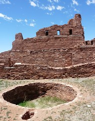 kiva (jb10okie) Tags: park travel vacation usa newmexico america spring ruins nps pueblo trails salinas missions 2012 abo nationalmonuments historicsite salinaspueblomissions salinaspueblomissionsnationalmonument salinaspueblo aboruins