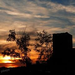 atardecer sobre el enebral (pibepa) Tags: sunset cloud atardecer tramonto nuvole nubes silueta ocaso castillo nube pedraza nwn pibepa lumix2012 finalgamethelook septiembre2012
