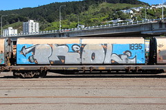 ZH 1835, Wellington 6 Oct 2012 (AA654) Tags: new graffiti graf rail zealand railcar nz wellington 1835 zh 1000000railcars kiwirail