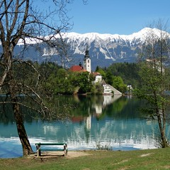 Bled (nuska2008) Tags: naturaleza lake mountains church nature alpes reflections relax landscape lago interesting europa peace nieve banco iglesia paz bled islas eslovenia interesante belleza reflejos tranquilidad favoritepictures quietud seleccionar momentomgico airepuro destinostursticos magiclandscape alpesjulianos grandiosidad lagoglacial lugardeinters nuska2008 mygearandme mygearandmepremium mygearandmebronze olympussz30mr nanebotas rememberthatmomentlevel4 rememberthatmomentlevel1 magicmomentsinyourlife magicmomentsinyourlifelevel2 rememberthatmomentlevel2 rememberthatmomentlevel3 rememberthatmomentlevel7 rememberthatmomentlevel9 rememberthatmomentlevel5 rememberthatmomentlevel6 rememberthatmomentlevel8