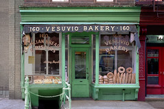Vesuvio Bakery, SoHo, complete (Nick_Fisher) Tags: street new york ny shop retail bread italian soho nick prince before biscuit bakery fisher anthony after vesuvio 160 dapolito nickfisher