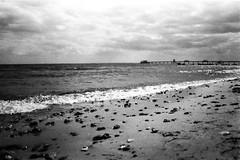 Strand Kellenhusen (Holiday Film Project) Tags: analog nikkormatel ilfordfp4125 film beach bw sw landscape landschaft urlaub ostsee sea meer steine wellen horizont wolken deutschland germany developing entwicklen holiday vacation