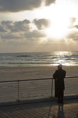 Sunset time (Dan_lazar) Tags: bein hazmanim tel aviv israel orthodox religious       sunset beach port sea